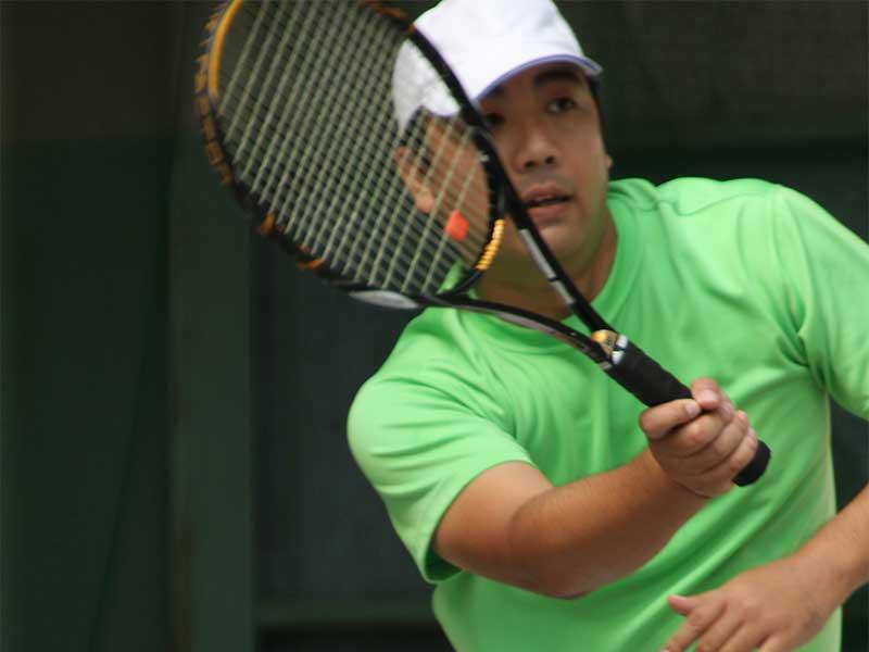 本格的にテニスを楽しむ